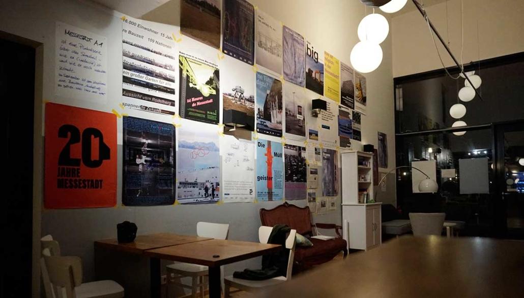 Ausstellungsraum im Café
